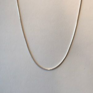 Jewelry - Sterling silver round chain.